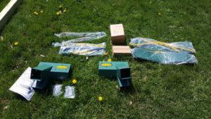 build a Swing set kit unboxed